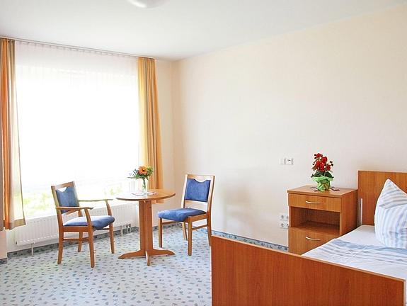 IMG 1069 Hohenstein Ernstthal Zimmer Einzelzimmer 2011