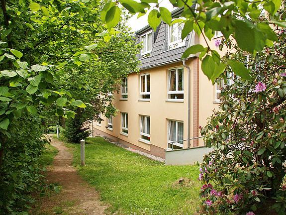 IMG 1152 Hohenstein Ernstthal Aussenansicht Rueckseite Park 2011