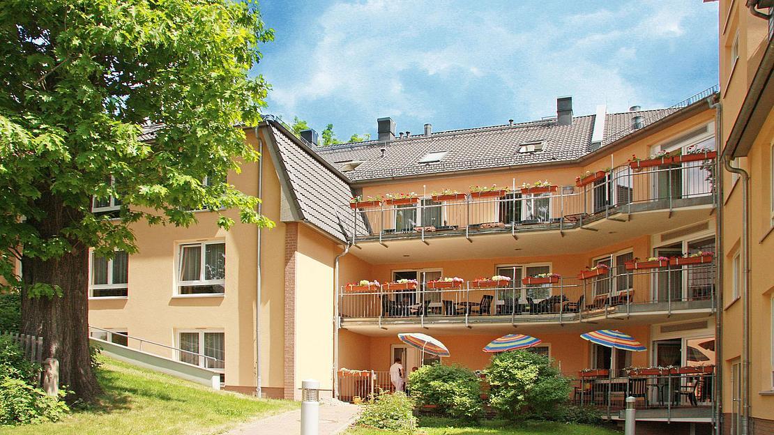 IMG_1139_Hohenstein_Ernstthal_Aussenansicht_Rueckseite_2011